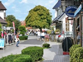 Flaniermeile Strandstraße in Zingst