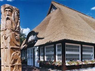 "Hotel ""Burgwall - Ferieninsel im Teterower See"""