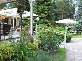 """Restaurant mit Café-Terrasse im Aparthotel """"Am See"""""""