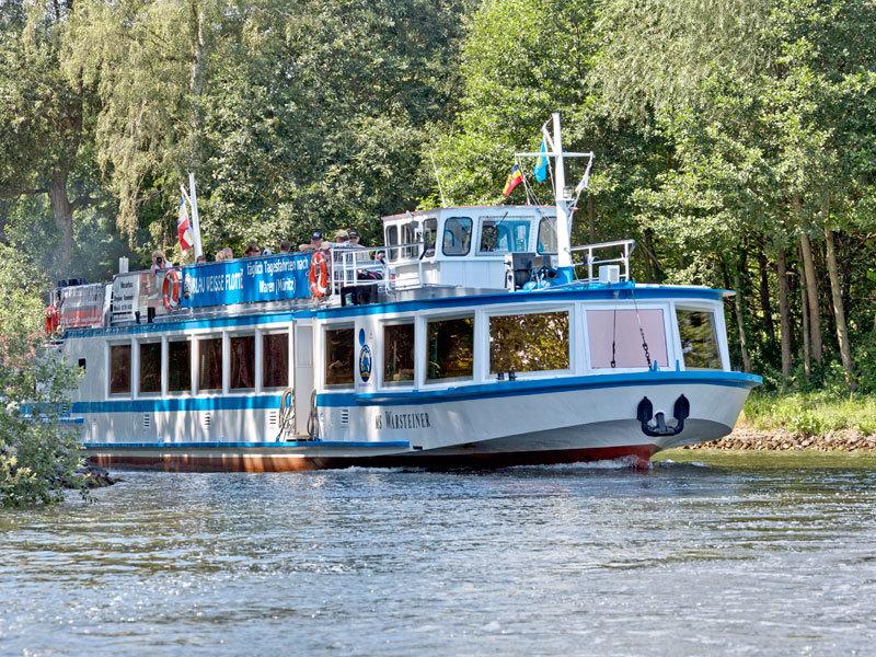 Blau Weisse Flotte Müritz & Seen in Malchow