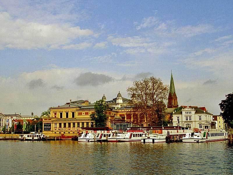 Besuchen Sie Schwerin mit Schifffahrt auf dem Schweriner See