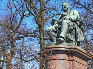 Fritz-Reuter-Denkmal Neubrandenburg