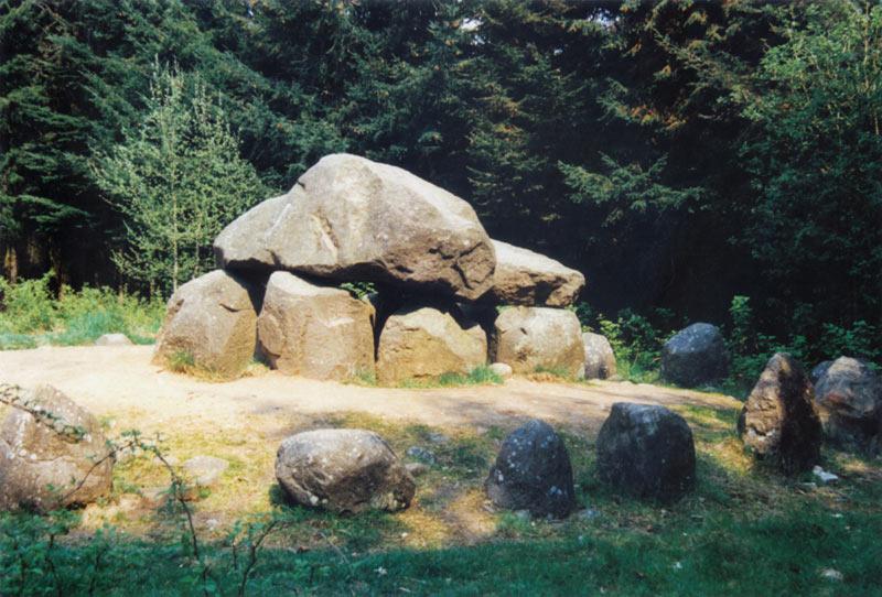 Bodendenkmäler im Everstorfer Forst mit Sühnestein