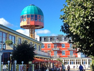 Promenadenhalle mit Ostsee-Lift-Café