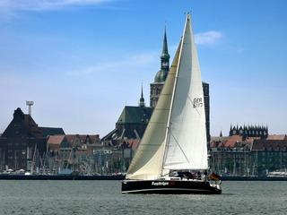 Segeltouren ab 4 Stunden bis 3 Tage mit 2 Übernachtungen