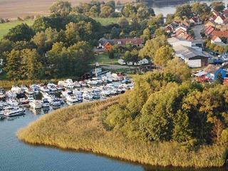 Floßverleih im Yachthafen Priepert