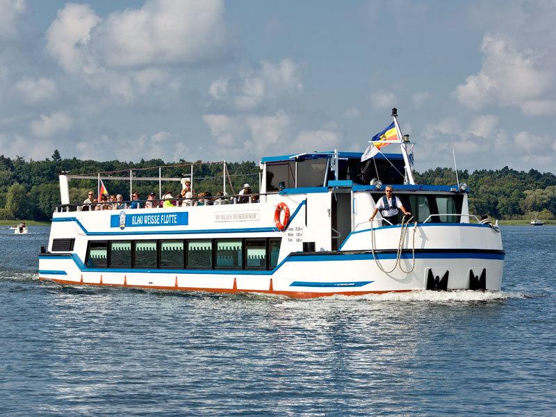 Blau Weisse Flotte Müritz & Seen in Waren