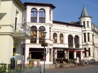Friedensstraße - Einkaufsbummel in Heringsdorf