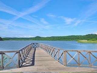 Schmachter See mit Promenade und Park der Sinne
