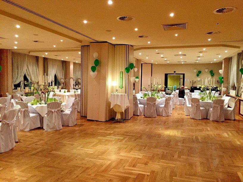 Feiern & Hochzeiten für bis zu 120 Personen